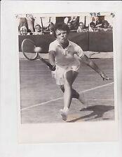 BILLY JEAN KING DEFEATS LEA PERICOLI WIMBLEDON 1967 AP WIDE WORLD WIRE PHOTO