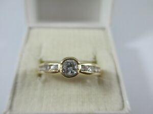 BEAUTIFUL & VERY SPARKLY PRE-OWNED 14ct GOLD CLEAR STONE RING UK SIZE P  2.7g