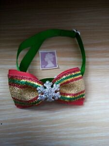 NEW DOG/CAT BOW TIE, ADJUSTABLE COLLAR, CHRISTMAS GREEN AND GOLD GLITTER BOW.