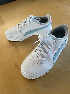 Girls Puma Trainers Size UK 5