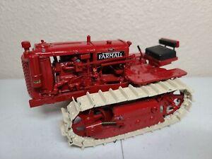 Farmall F-12 Crawler Red with White Tracks - Gilson Riecke 1:16 Scale Model