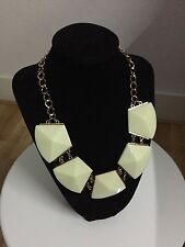 """Stone Necklace, Birthday Wedding Lady Gift 18"""" Flower Gold Plated Statement No"""