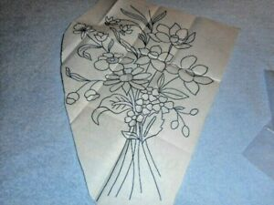 Vintage Embroidery Iron-on Transfer - Garden Flowers - (Y373)