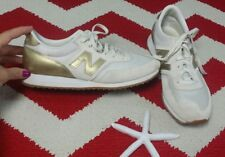 New Balance Womens Shoes J Crew Sz 8 Cream & Gold Shoes CW620JD2