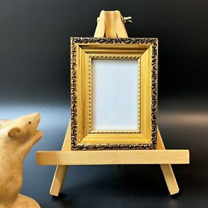 Small Moulded Gilt Frame (14x10.5cm) on Gold Painted Display Easel, 2 pcs