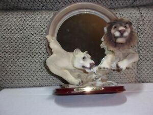 GOLDENVALE COLLECTIONS STANDING ROUND MIRROR - MALE and FEMALE LION - RESIN
