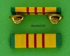 VIETNAM SERVICE RIBBON BAR - Mounted with clutch back fastiner