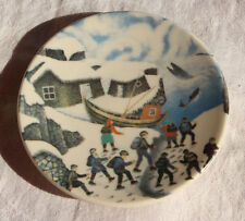 """1980 Small Plate ARABIA FINLAND """"The Finns Watching Whales"""" by A.Alariesto No 8"""
