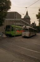 PHOTO  GERMANY HANNOVER 1991 TRAM RATHAUS CARS AS ABOVE