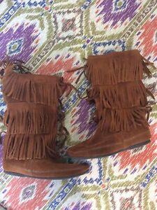 Minnetonka 9 3 Layer Fringe Brown Boot Womens