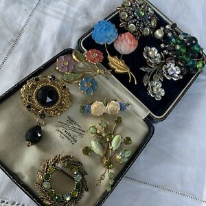Collection Job Lot of Vintage 1950s/60s/70s Brooches