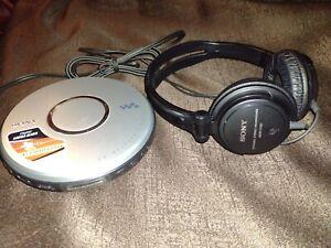 Sony CD Walkman With Digital Megabase & G-Protection CD-R/RW + Sony Headphones