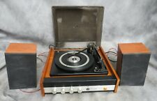 A GOOD WORKING VINTAGE COMBERTON 500 RECORD PLAYER WITH SPEAKERS