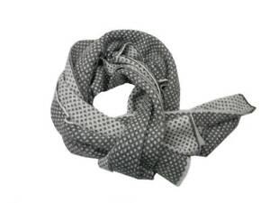 Sciarpa uomo donna grigia e bianca misto lana mohair disegni geometrici bianchi
