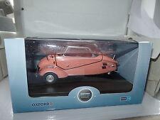 Oxford 18MBC003 MBC003 1/18 Scale Messerschmitt KR200 Bubble Car Pink Closed Top
