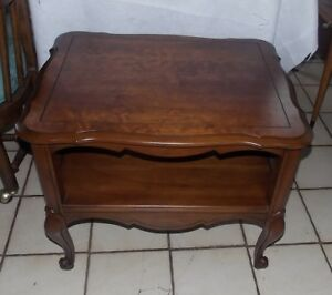 Cherry Caned Sides French End Table / Side Table  (T411)