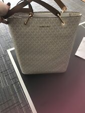 New Michael Kors Signature Raven Large North South Top Zip Tote Vanilla Monogram