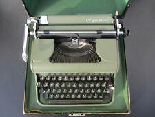 Schreibmaschine Kofferschreibmaschine Olympia Grün