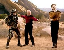"8"" x 10"" colour photo.  The Big Bang Theory.  Star Trek costumes."