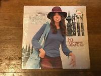 Carly Simon LP in Shrink w/ Hype Sticker - No Secrets - Elektra EKS-75049