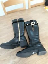CLARKS BLACK PATENT KNEE HIGH BOOTS. ..SIZE 3....