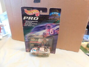 1998 Hot Wheels Pro Racing Mark Martin in Package