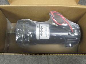 Bison Series 190 DC Gear Motor 1/10 HP 24 Volts 73 RPM 011-190-1125