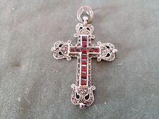 pendentif - croix en argent et pierre
