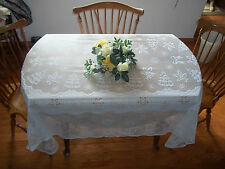HERITAGE LACE WHITE SNOWMAN FAMILY CHRISTMAS TABLECLOTH NIP 60X84 ITEM 2780