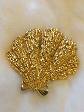Vintage Signed Trifari Sea Shell shaped Pin/Brooch In Gold Tone Metal