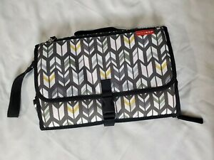 Skip Hop Compact Diaper Changing Station Clutch Travel Bag Diaper/Wet Wipe Pouch