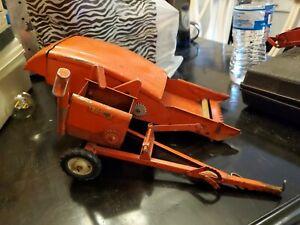 Vintage Tru Scale 1/16 Farm Toy Pull Combine