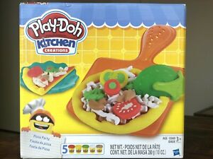 Play Doh - Kitchen Creations Set (Pizza Party) BRAND NEW