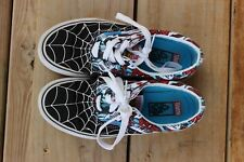 Van's Spiderman Youth Sz 1 Lace up Snickers
