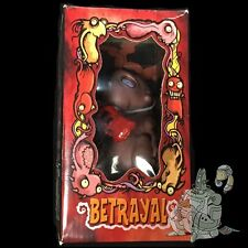 Roman Dirge BETRAYAL Monsters in My Tummy VINYL Figurine MONKEY Fun Toys 2002!