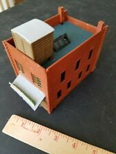 Structures layout model ho train INTERESTING TOW STORY BUILDING SHED ROOF