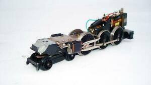 HORNBY DUBLO 2RAIL 2220 B.R.GREEN  CASTLE CHASSIS ONLY