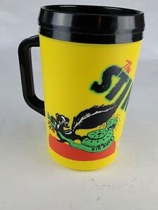 Vintage Aladdin The STINKER 32oz Large Plastic Insulated Mug / Cup w/Lid Yellow