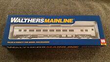 Walthers HO Scale 85' Budd Burlington Large Window Coach NIB