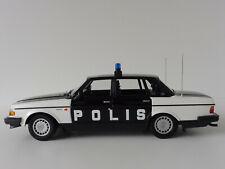 VOLVO 240 GL POLIS SWEDEN 1986 1/18 Minichamps PMA 155171497 244 Police Polizei