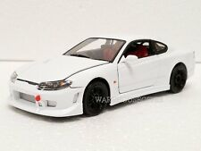 WELLY 1:24 DISPLAY NISSAN SILVIA S-15 Diecast Car Model White Color 22485NS-4D
