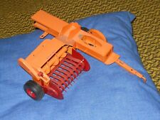 Minneapolis Moline toy hay baler  (White, Oliver) 1/16    tractor