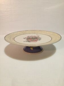WEDGWOOD SARAH'S GARDEN QUEEN'S WARE FOOTED CAKE STAND