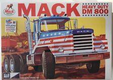 MPC899 - Mack Heavy Duty DM800 Tractor 1/25 Scale Plastic Model Kit - MPC-899