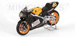 Honda NSR500 2000 Valentino Rossi Test Bike 1:12 Model Minichamps