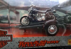 Maisto - Harley Davidson - Tow and Show Trailers -2000 FXDL DYNA LOW RIDER-32048