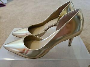 Ann Taylor Gold heels, Size 7M