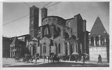 2905) BOLOGNA, CHIESA DI S. FRANCESCO, CARROZZE, BANCARELLE AFFOLLATE. VG 1923.