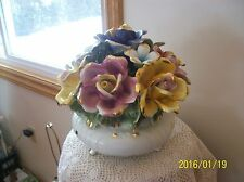 Capodimonte Italy Porcelain Large Heavy Center Piece Flower Bouquet Jardiniere