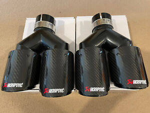 "UNIVERSAL DOUBLE 3.5"" AKRAPOVIC STYLE GLOSS CARBON BLACK EXHAUST TIPS STAGGERED"